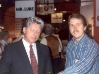 Bill…is it really him?…with Darren Cunningham of Wesbrooks, Inc. at the 1995 AOCA Quick Lube Show in Dallas.